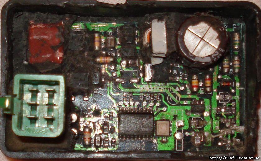 Значит есть коммутатор CI692 Honda DIO AF35 ZX. вскрываем его и видим процессор 032F-00, далее нам необходимо...